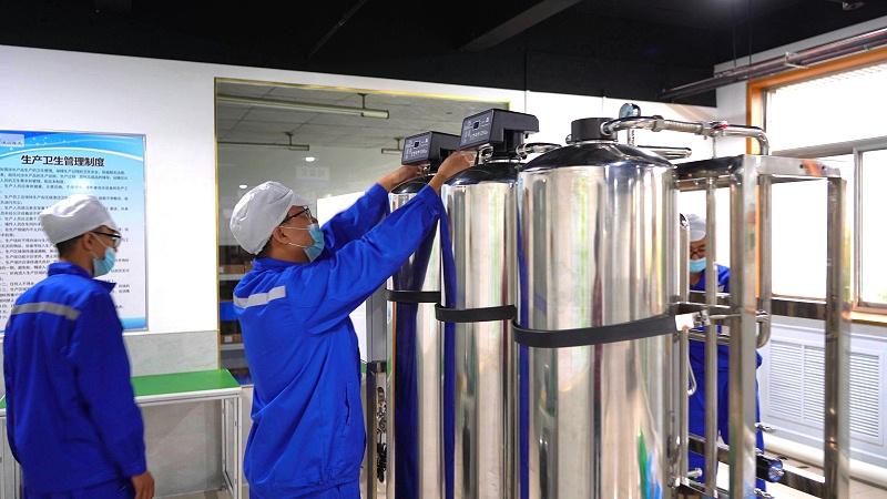 直饮水设备生产车间 (3)